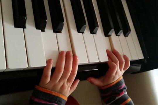 Tagesmutter-Troisdorf-klavierspielen